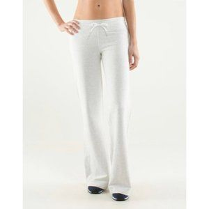 Lululemon light Gray Voyager Sweatpants -